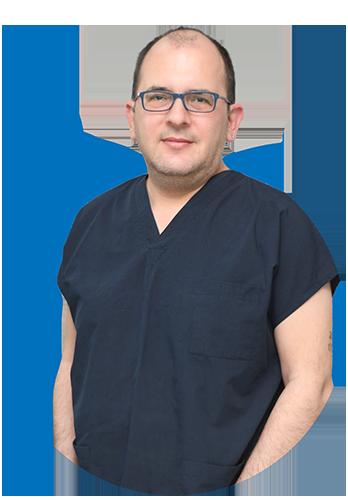 Хирург Джем Гючлу